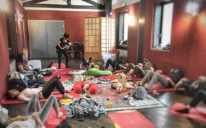 Yoga e movimento nel post parto con Albero Rosa @ Hakusha | Brescia | Lombardia | Italia