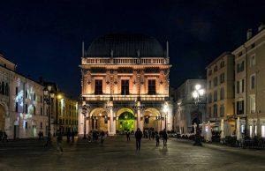 Brescia di notte: visita guidata estiva @ ritrovo Piazza Arnaldo da Brescia