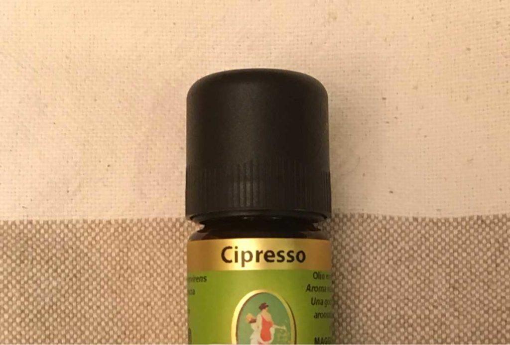 olio-essenziale-cipresso-marco-peli-massoterapista